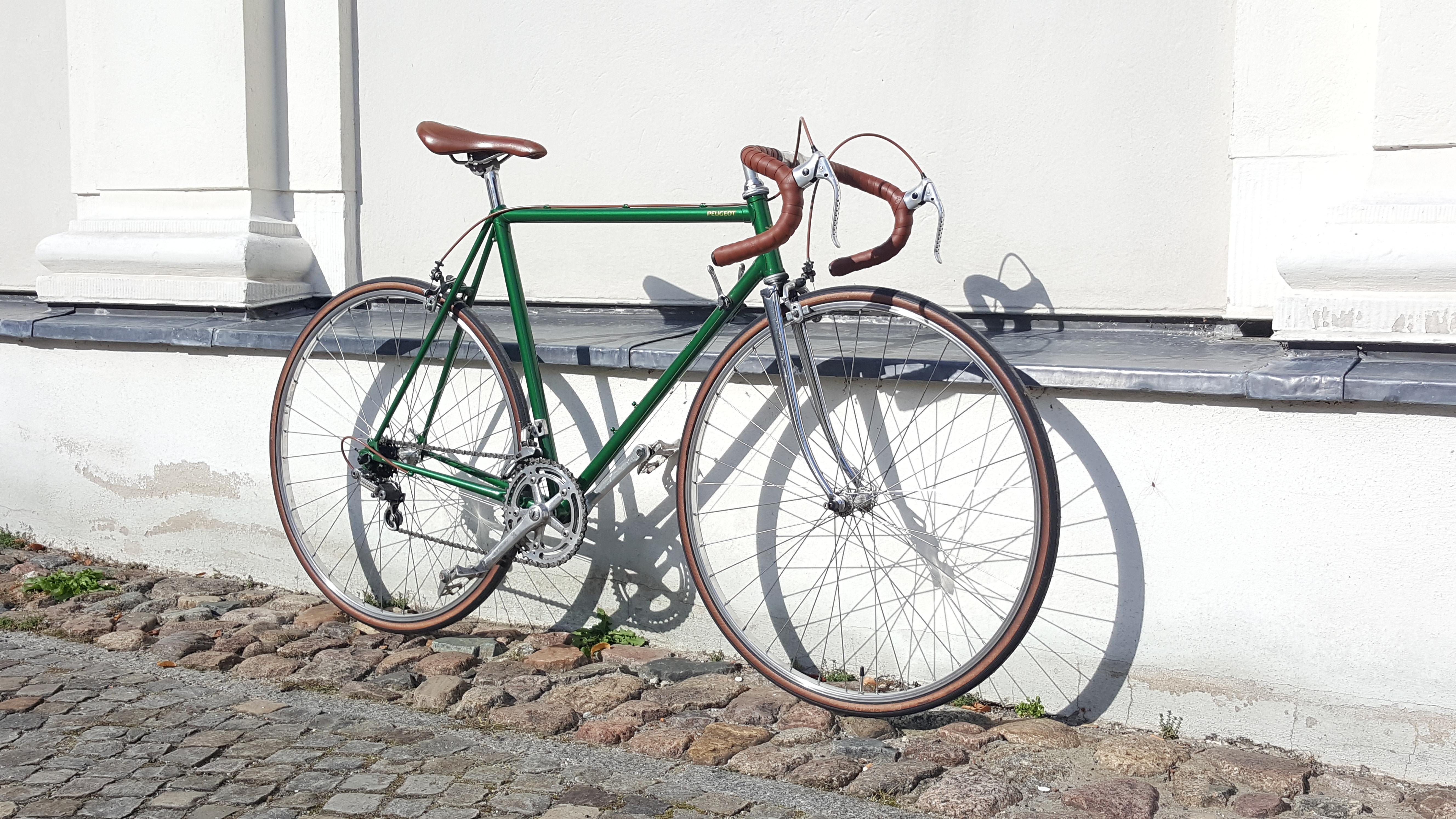 vintage rennrad von peugeot past bikes vintage bicycles. Black Bedroom Furniture Sets. Home Design Ideas