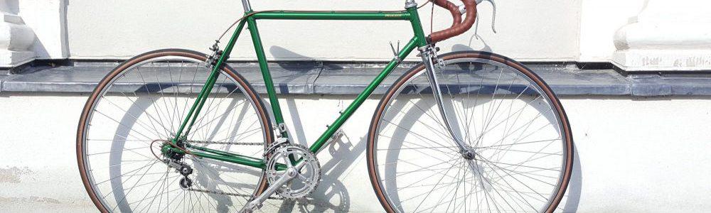 Vintage Rennrad Peugeot Seitenanasicht