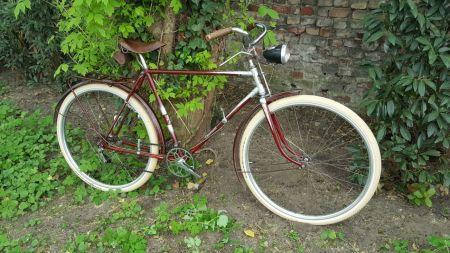 Diamant Fahrrad Modell 101 Seitenansicht